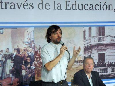 """""""Las mejores escuelas y los mejores clubes se deben construir en los barrios humildes"""""""