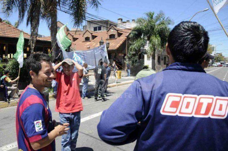 El Ministerio de Trabajo convoc� a las partes por las suspensiones en la empresa Coto Cicsa