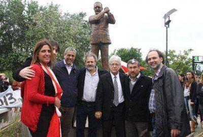 Inauguraron la �Plaza de la Democracia� en homenaje al ex presidente Alfons�n
