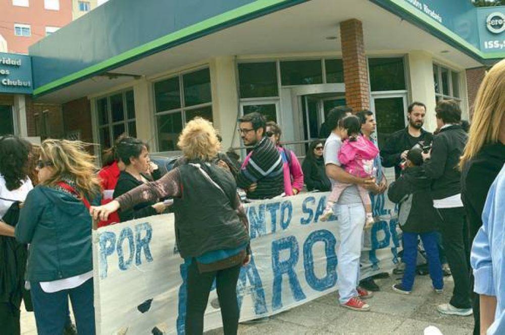 Trabajadores estatales expresaron su disconformidad en una concentración conjunta
