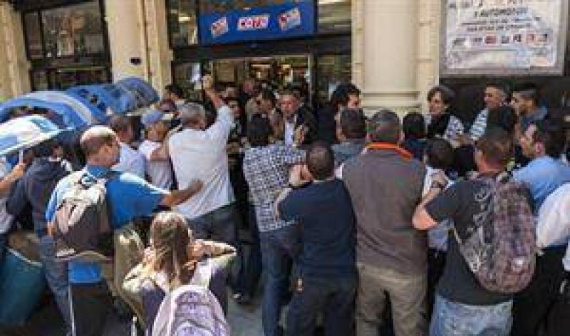 Despidos en supermercados por el cierre de los domingos