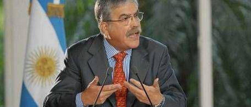 De Vido negó subas en transportes y acusó a Clarín
