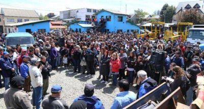 Trabajadores del SOYEM rechazaron propuesta y volvieron a reclamar los dos mil pesos para este mes