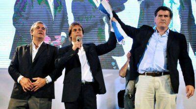 Ballottage en Uruguay: Tabaré Vázquez le ganaría por 16 puntos a Luis Lacalle Pou