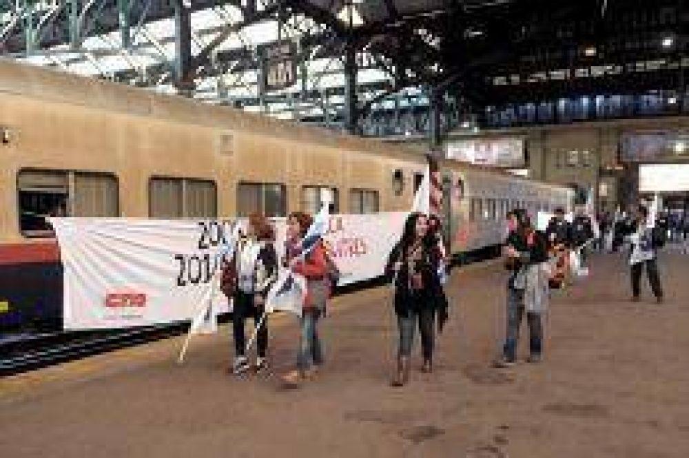 Partió a Mar del Plata el tren con militantes de la CTA que conmemorarán el rechazo al ALCA
