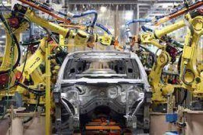 Industria indicó que se recortan las tendencias negativas en producción y exportación de autos