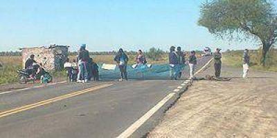 Continúa el corte de la Ruta Nacional 11 en Riacho Negro