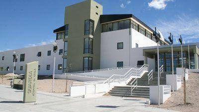 Villalba recibió a diputados por la crisis hospitalaria de Madryn