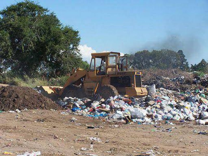 Camioneros pide mejoras en el ingreso al Predio de Residuos y amenaza con medidas de fuerza
