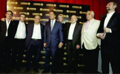 Lupiano y Aiello junto a Sergio Palazzo en la fiesta de la Bancaria nacional