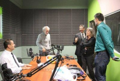 Empieza a emitir la Radio Municipal de Santa Rosa