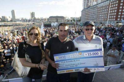 Unas 1200 ca�as le pusieron color al 3� Torneo de Pesca �Ciudad de Mar del Plata�