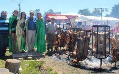 Mar Chiquita: Intendente Paredi participó del multitudinario cierre de la Fiesta del Cordero