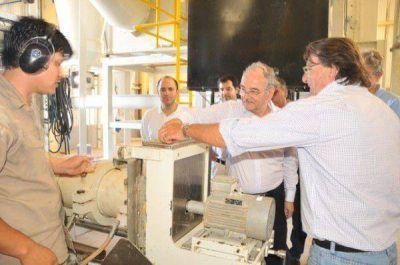 """El gobernador Bacileff Ivanoff recorrió el establecimiento de producción arrocera y de pacú """"Puerto Las Palmas"""""""