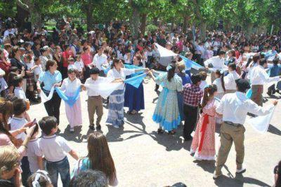 Festejo con llamado a la unidad en el 178º aniversario de 25 de Mayo