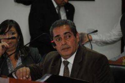 Argerich solicita a la justicia pericias caligráficas