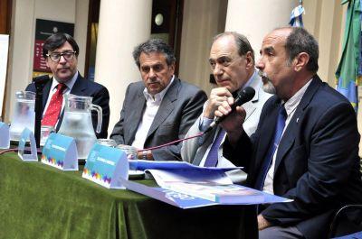 UNLP: Zaffaroni presentó un informe sobre delitos dolosos