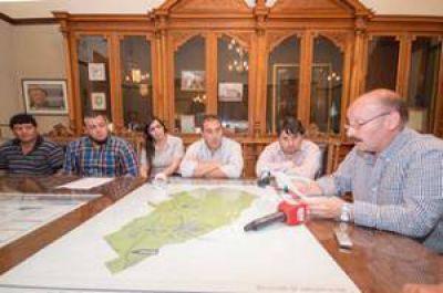 Un acuerdo histórico y sin antecedentes: La gestión Inza otorgó un incremento salarial del 32% a los municipales