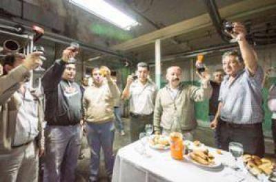 Inza sobre la reapertura de las empresas textiles: Hoy se transforma en una fábrica recuperada con los trabajadores al mando