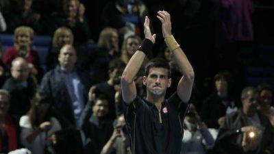 Djokovic regaló otra paliza y casi liquidó la pelea por el 1