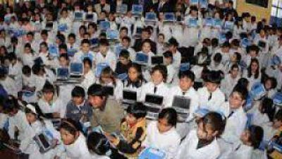 Llegaron 1057 netbooks a las escuelas municipales
