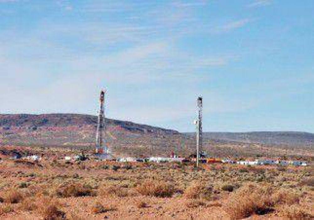 Los petroleros no acordaron y siguen negociando
