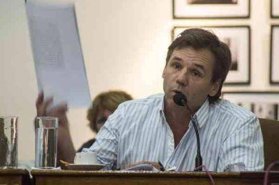"""La """"honorabilidad"""" del Concejo unida a la """"autoestima"""" de los azuleños"""