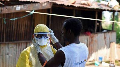 Trasladan a otro médico con ébola a EE.UU.