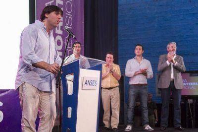 LANÚS: BOSSIO ENTREGÓ CON JULIAN ALVAREZ 290 JUBILACIONES JUNTO A DIAZ PEREZ Y CAPITANICH
