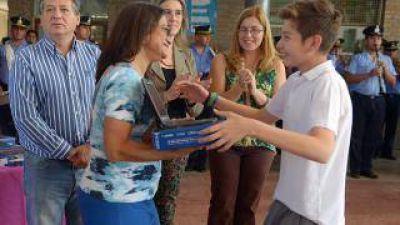 Avanza la entrega de netbooks en escuelas municipales