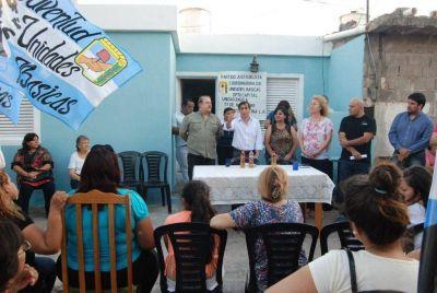 Paredes Urquiza inaugur� Unidad B�sica en barrio Santa Justina