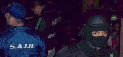 Mafia de los autos robados: allanan una casa y buscan a otros dos sospechosos