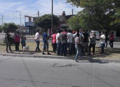 Vecinos del barrio Eva Perón se manifestaron en contra de la radicación de un Mercado