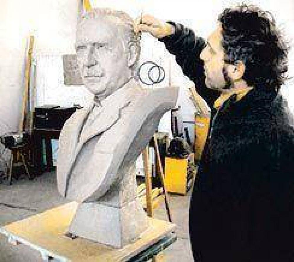 Alfonsín tendrá su busto en el mausoleo de la Recoleta