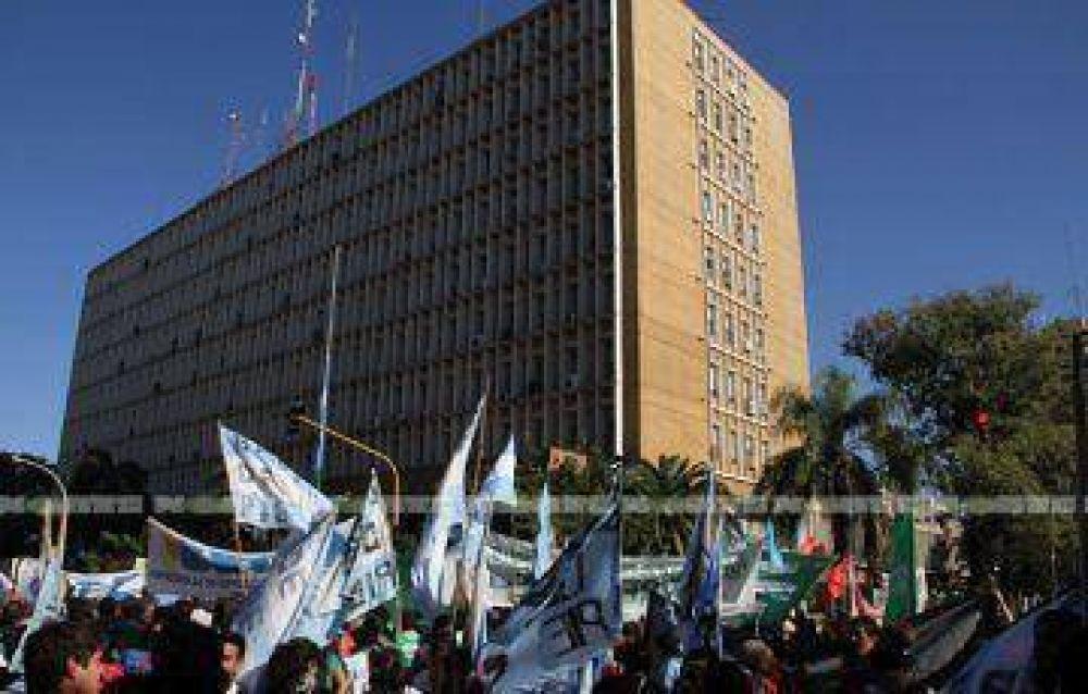 Gremios y movimientos sociales se movilizan hoy