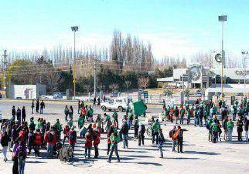 ATE Río Negro protestará en los puentes entre Neuquén y Cipolletti por un bono de fin de año