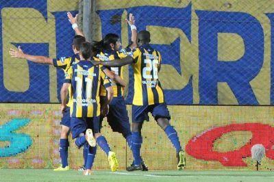 Rosario Central goleó 5-0 al Argentinos de Juan Román Riquelme y está en la final de la Copa Argentina