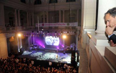 Bruera juega al productor artístico: en 7 años organizó más de 80 recitales
