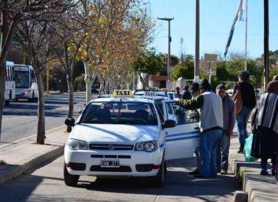 El Municipio autorizó subir la tarifa de los taxis un 18%