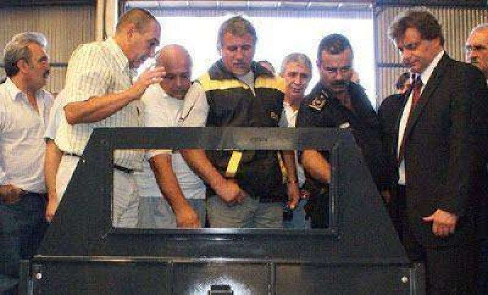 """Cirone adelantó que """"se van a realizar pruebas instalando mamparas para proteger a los taxistas"""""""