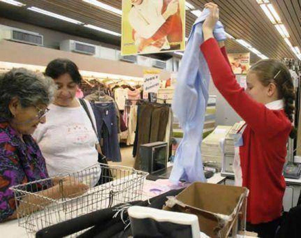 Piden bono de fin de año a supermercados y tiendas locales