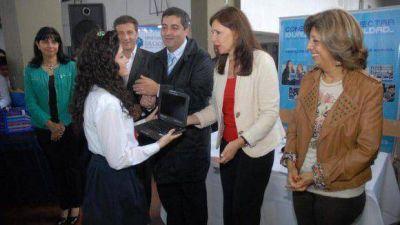 Se entregaron 970 netbooks en las escuelas municipales