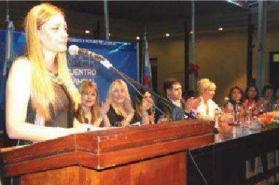 Organizaron encuentro de mujeres con militancia social