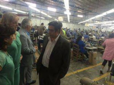 Rivera recorrió la fábrica textil Macata
