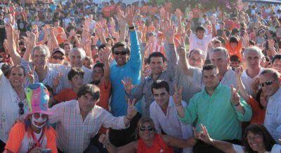 """""""Los Naranjos"""" se reunieron en San Nicolás para fortalecer el armado de Scioli"""