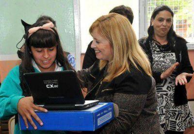 Conectar Igualdad: ya entregaron 50 mil netbooks a chicos pampeanos