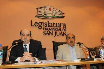 Alcoba presentó el Presupuesto 2015 en Diputados