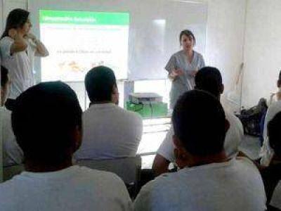 Policía Local: diagraman un plan de nutrición para los estudiantes