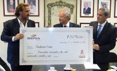 Un vuelto: donan más de $250 mil a la Fundación Conin