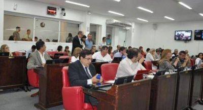 Interpelación al fiscal González: radicales no dieron quórum